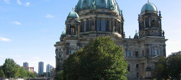 1-mai-berlin-620x275.jpg