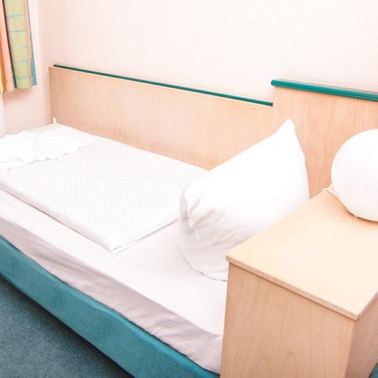 Guenstige Einzelzimmer 540x540 - Single room