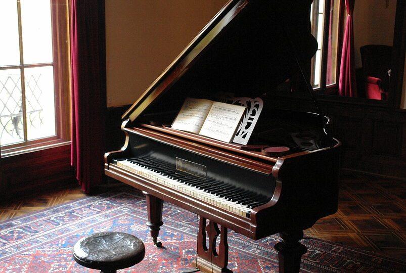 piano 601386 960 720 803x540 - Home
