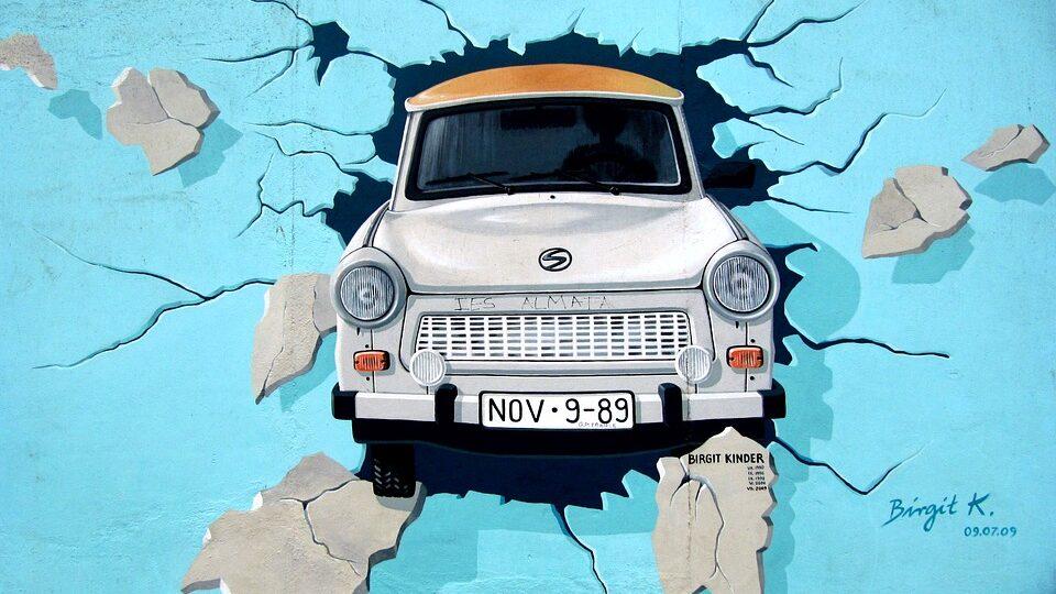 graffiti 745071 960 720 960x540 - Home